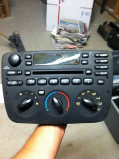 01 02 03 FORD TAURUS OEM RADIO RECEIVER CD PLAYER DASH CONTROL 1F1F