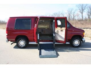 Series Van E 150 Recrea 2001 FORD ECONOLINE WHEELCHAIR ACCESSIBLE VAN