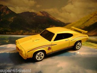 70 PONTIAC GTO 2011 HOT WHEELS NEW MODELS SERIES YELLOW