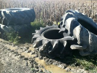 24.5 32 GOODYEAR R 2 COMBINE TRACTOR SWAMP BUGGY TIRES NO RIMS 4 TIRES