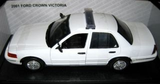 Motormax 1/18 Blank White Ford Crown Victoria Police Car With Lightbar