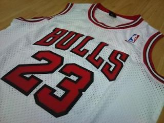 Michael Jordan Chicago Bulls NBA jersey size Medium white swingman