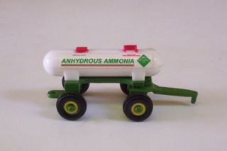 Anhydrous Ammonia Tank Trailer 1 64 Ertl Green Farm Toy Implement