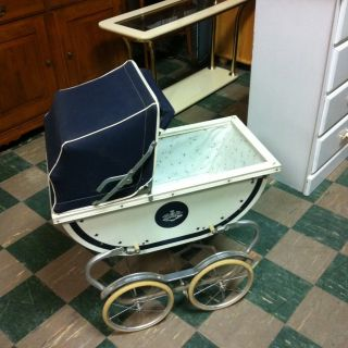 Antique Baby Carriage Pram w Griffin Coat of Arms Very Nice Blue Stars
