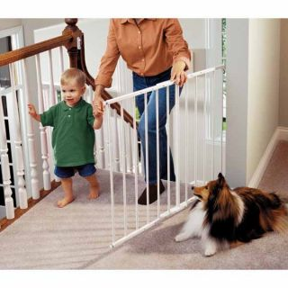 white 24 75 43 5 x 30 5 baby pet gate features quick release hardware