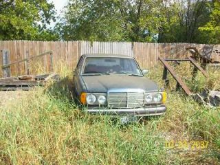 240D Mercedes Benz Parts Car 1981 Diesel Engine