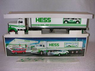 1992 hess 18 wheeler truck racer mint in box