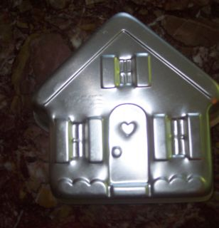 Wilton Christmas House Cake Tin or Jello Pan