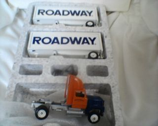 Die Cast Model Tractor Trailer Truck