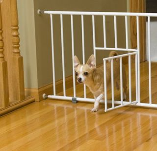 Carlson 0680PW Mini Gate with Pet Door White