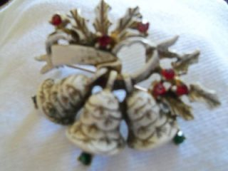 DODDS SIGNED VINTAGE CHRISTMAS BROOCH~PIN BELLS ENAMEL &GOLD WASH