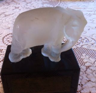 Very Rare 1927 Heinrich Hoffmann Art Deco Frosted Glass Elephant On A
