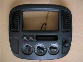 2001 Ford Escape Radio Climate Dash Bezel Air Vents 01