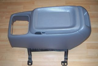 CHEVY GMC SUBURBAN SILVERADO TAHOE SIERRA BUCKET SEAT GRAY CENTER