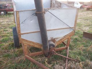 Auger Wagon Corn Burner Cattle or Horse Feed Hauler Pull with Tractor