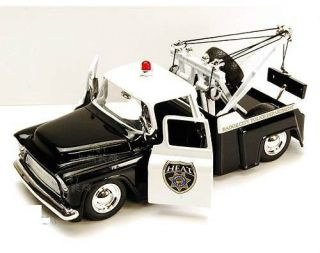 Jada Toys Heat Chevy Stepside Police Tow Truck 1955 1 24 Black White