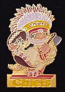 Kansas City Chiefs NFL Huddles Pin 80s Vintage