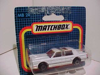 Lincoln Town Car Matchbox MB 24 issued 1988 1 76 Diecast