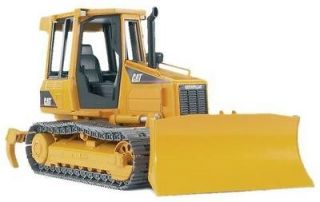 NEW Bruder CATERPILLAR Track Type tractor