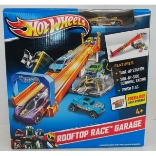 Hot Wheels Wall Tracks ROOFTOP RACE GARAGE Fold & Go with Car Tune Up