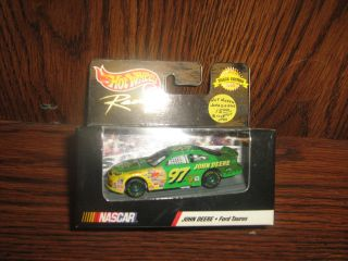 Die Cast NASCAR Hot Wheels Racing Car 97 1 64 Scale 1999 Ford