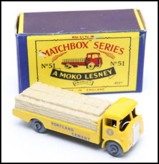 Moko Lesney Matchbox Series 51A Albion Chieftan in Original Cardboard